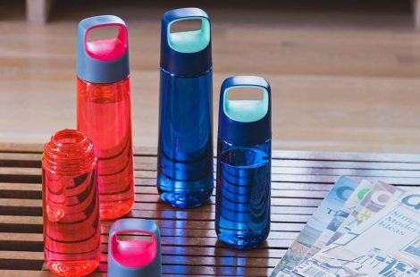 Emporter une bouteille d'eau réutilisable au travail, mais pourquoi ?